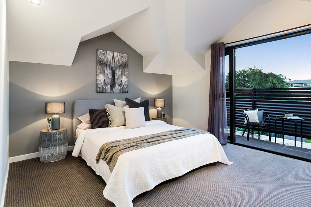 Master Bedroom - Semaphore