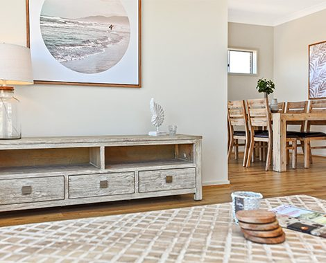 Scroll-About04-coastal-living-room